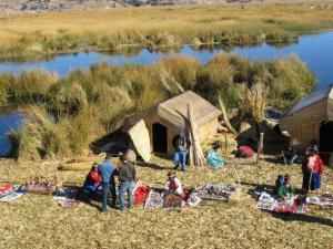 Uros auf dem Titicaca-See