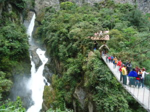 Wasserfall 'Pailon del Diablo'
