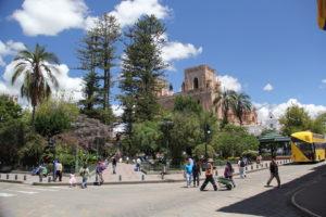 Blick auf die neue Kathedrale in Cuenca