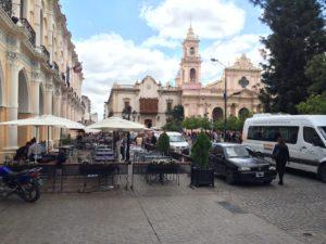 Salta: Blick auf die Kathedrale am Platz des 9ten Juli