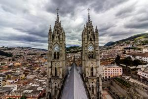 Auf dem Dach der Basilica del Voto Nacional in Quito