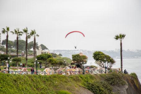 Paraglider an Limas Küste