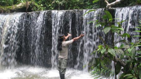 Wasserfall am Kapawi Fluss