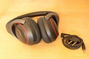Gute Kopfhörer machen lange Flüge angenehmer