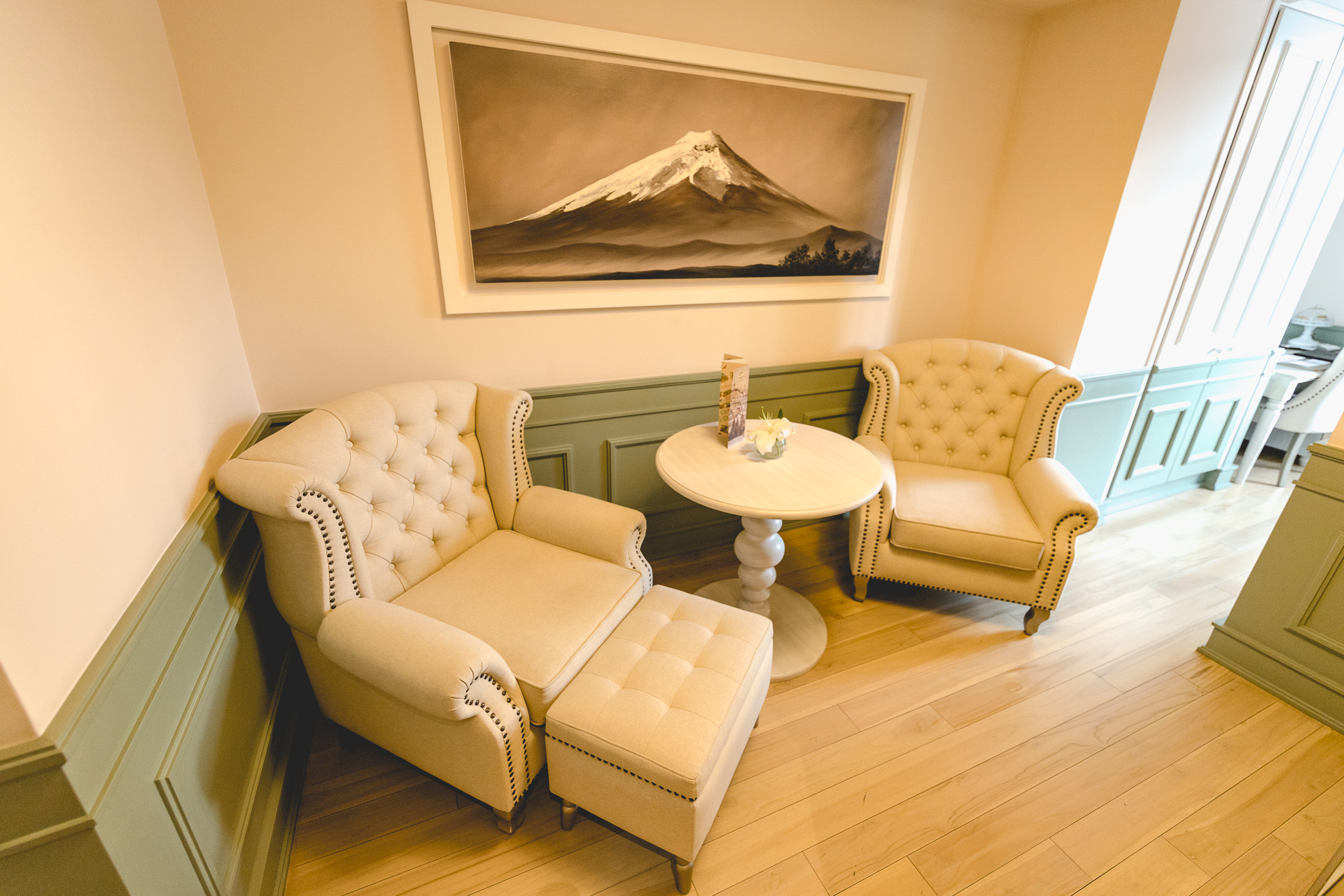 gemütliche Sitzecke im Zimmer