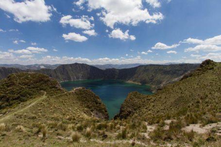 Quilotoa-Lagune aus der Ferne