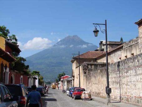 Vulkan bei Antigua, Guatemala