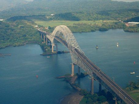Brücke über den berühmten Panama-Kanal