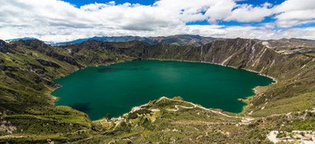 Die Quilotoa-Lagune in Ecuador